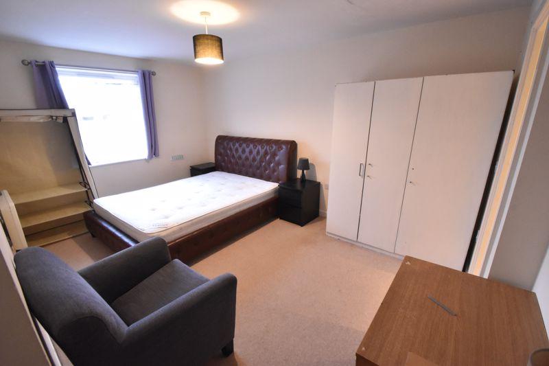 2 bedroom Apartment / Studio to buy in Holly Street, Luton - Photo 6