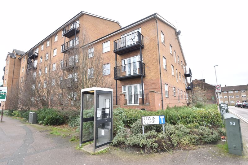 2 bedroom Apartment / Studio to buy in Holly Street, Luton