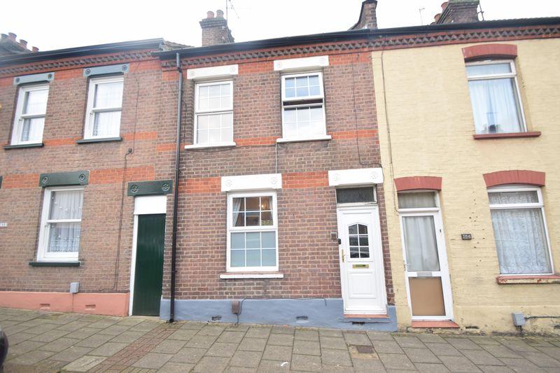 3 bedroom  to buy in Ridgway Road, Luton