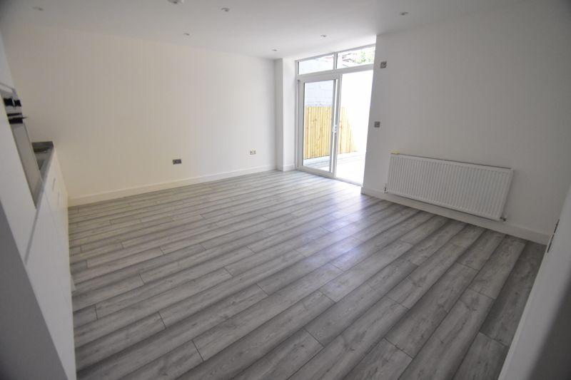 2 bedroom  to buy in Kingham Way, Luton - Photo 1