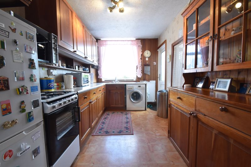 2 bedroom End Terrace to buy in Maryport Road, Luton - Photo 1