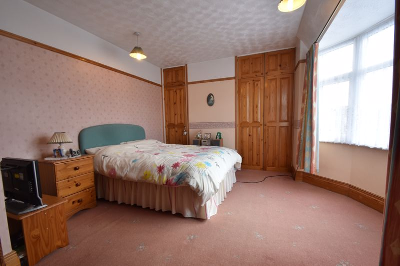 2 bedroom End Terrace to buy in Maryport Road, Luton - Photo 4