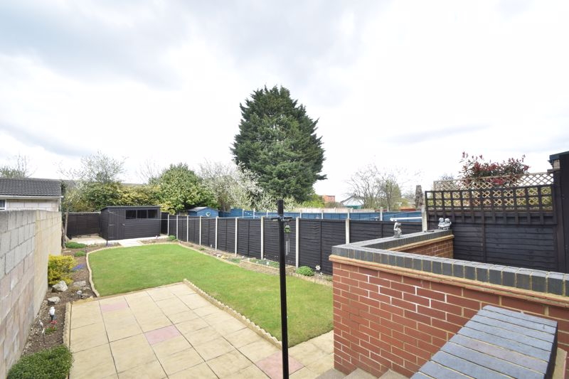 2 bedroom End Terrace to buy in Maryport Road, Luton - Photo 8