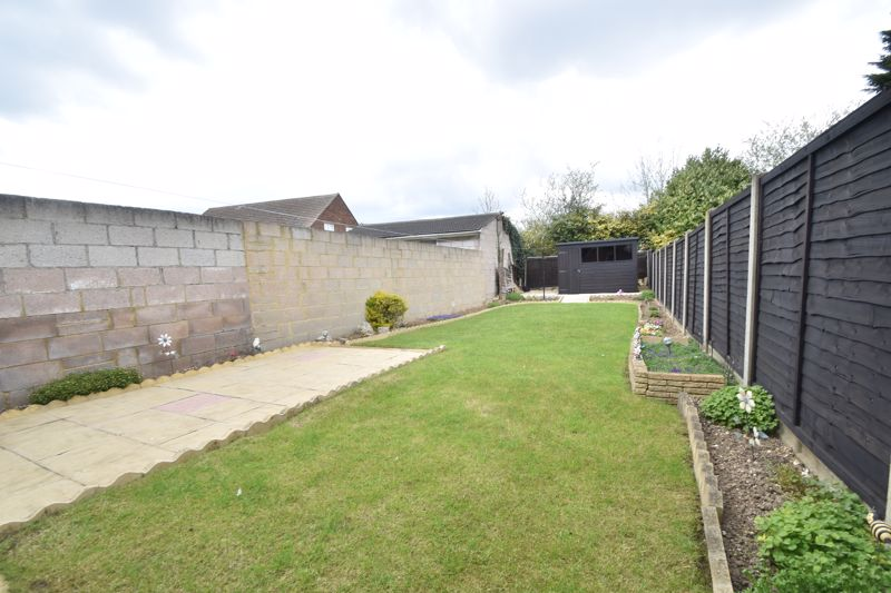 2 bedroom End Terrace to buy in Maryport Road, Luton - Photo 9