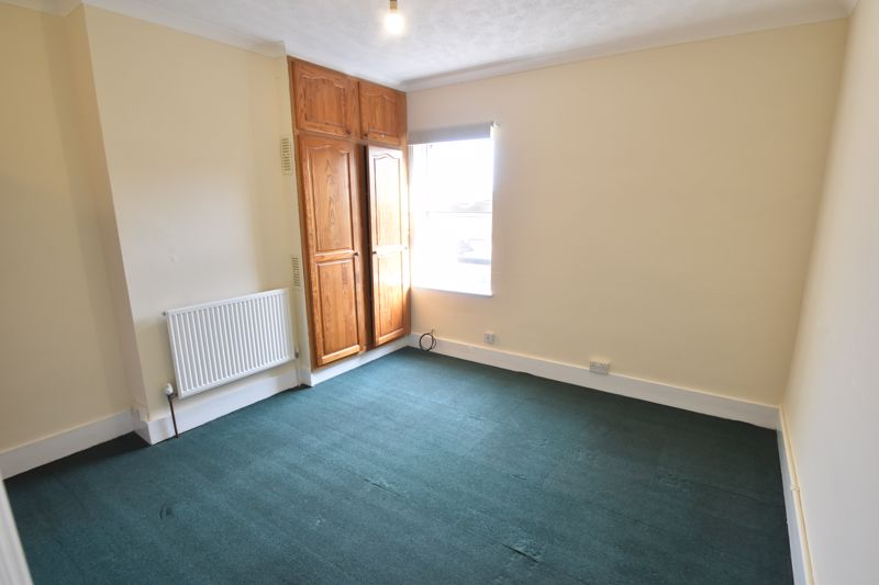 2 bedroom Mid Terrace to buy in May Street, Luton - Photo 7