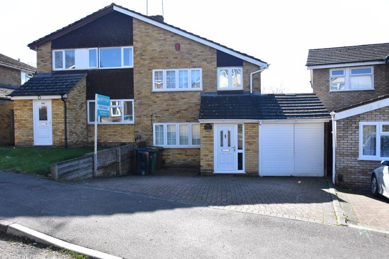 3 bedroom Semi-Detached  to buy in Ketton Close, Luton