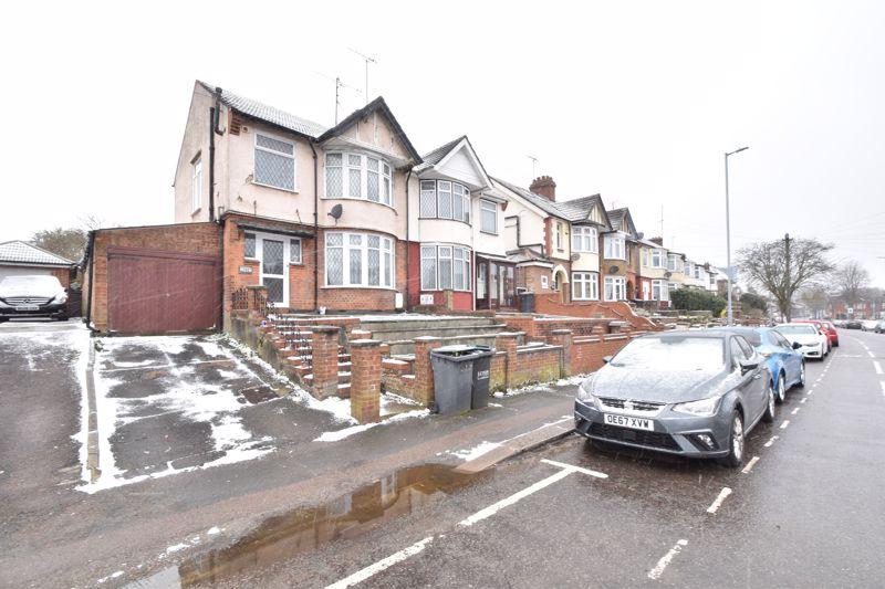 3 bedroom Semi-Detached  to buy in Park Street, Luton