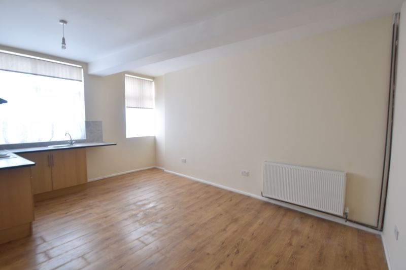1 bedroom Apartment / Studio to rent in Hitchin Road, Luton - Photo 2