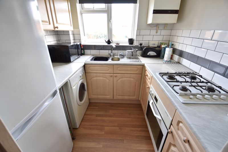 1 bedroom End Terrace to buy in Laxton Close, Luton - Photo 3