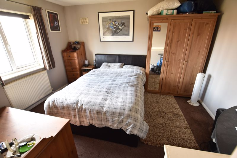 1 bedroom End Terrace to buy in Laxton Close, Luton - Photo 4