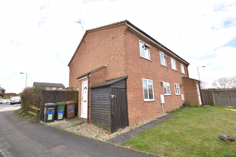 1 bedroom End Terrace to buy in Laxton Close, Luton