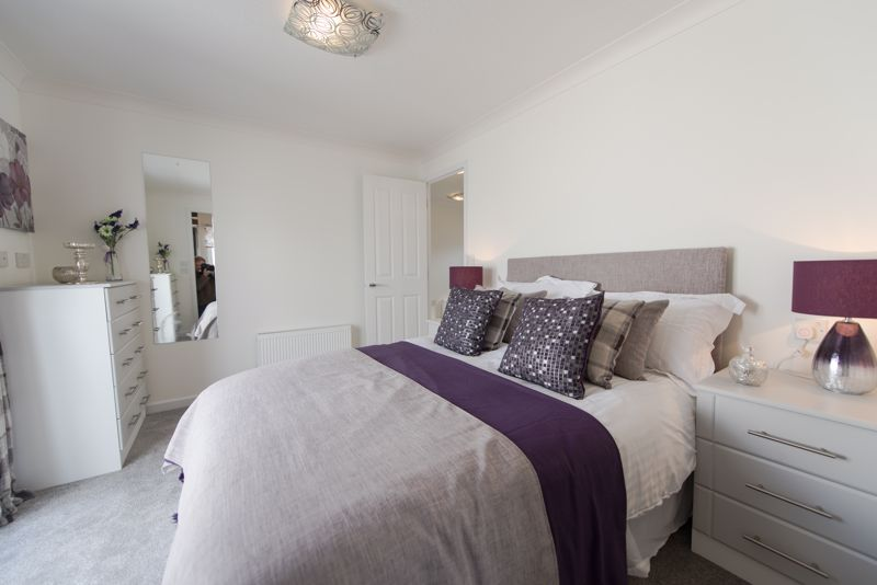 2 bedroom Park Home to buy in Mossman Drive, Luton - Photo 57