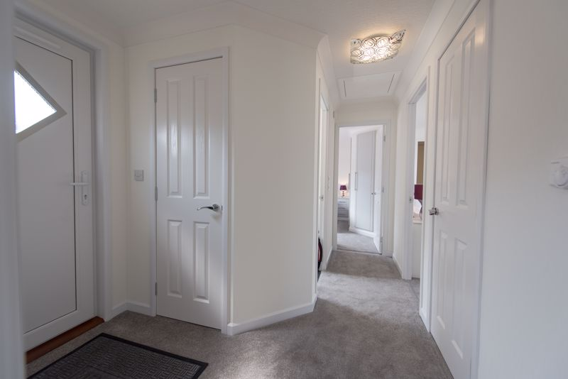 2 bedroom Park Home to buy in Mossman Drive, Luton - Photo 62