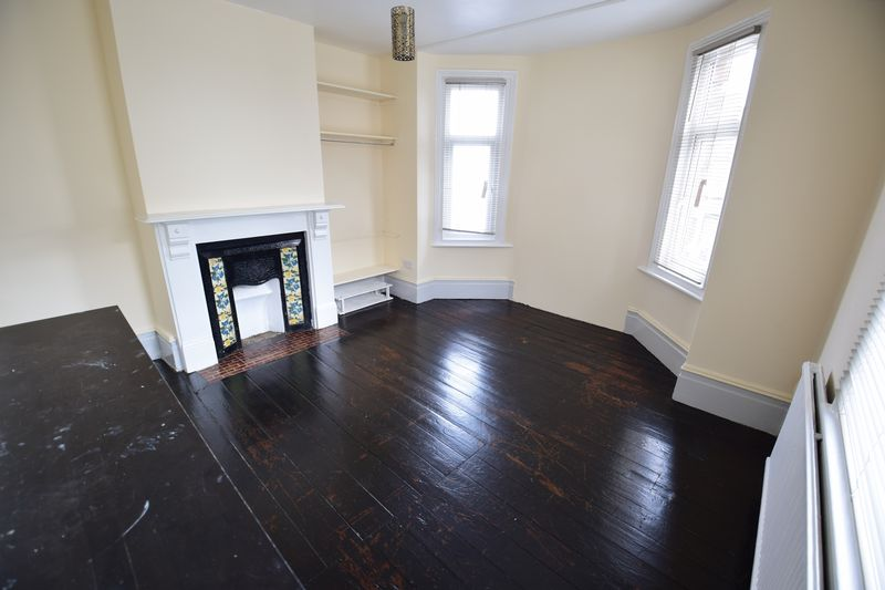 1 bedroom Maisonette to buy in Tennyson Road, Luton - Photo 13