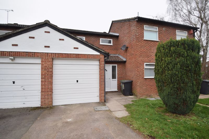 2 bedroom Mid Terrace to rent in Speedwell Close, Luton