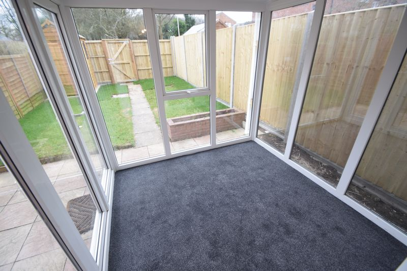2 bedroom Mid Terrace to rent in Speedwell Close, Luton - Photo 8