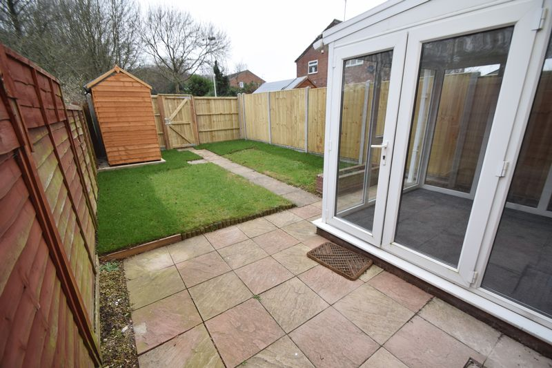 2 bedroom Mid Terrace to rent in Speedwell Close, Luton - Photo 9