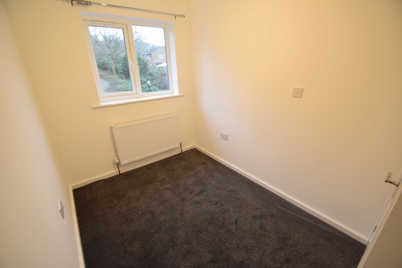 2 bedroom Mid Terrace to rent in Speedwell Close, Luton - Photo 15