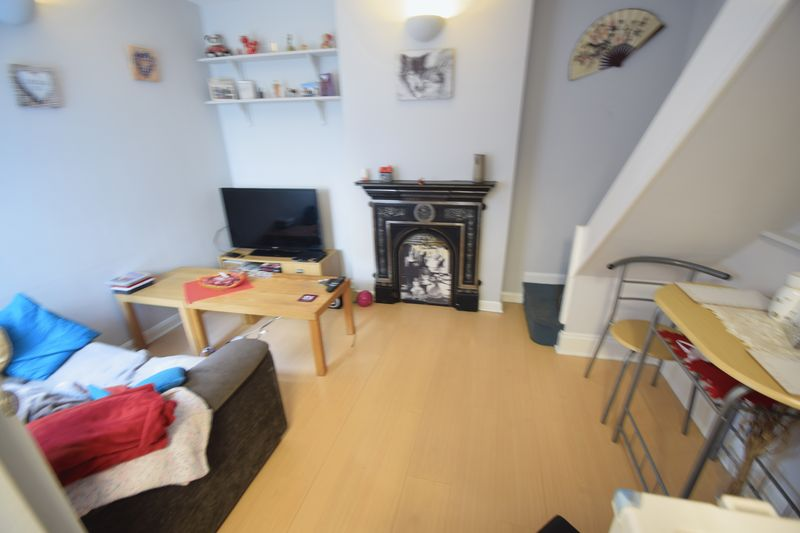 5 bedroom  to buy in Park Street, Luton - Photo 4