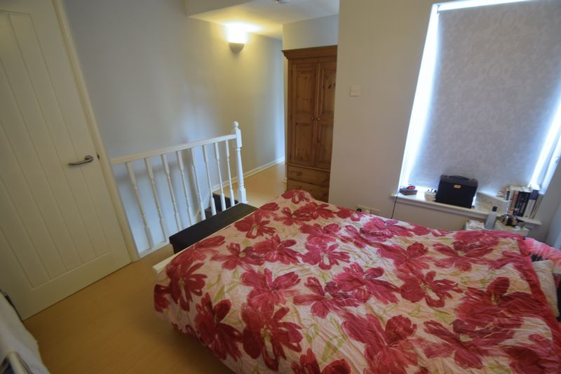 5 bedroom  to buy in Park Street, Luton - Photo 7