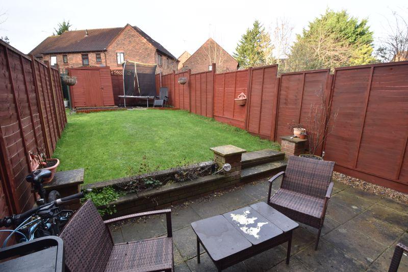 2 bedroom Mid Terrace to buy in Gleneagles Drive, Luton - Photo 15