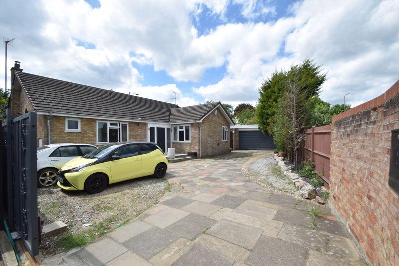 4 bedroom Bungalow to buy in Forrest Crescent, Luton