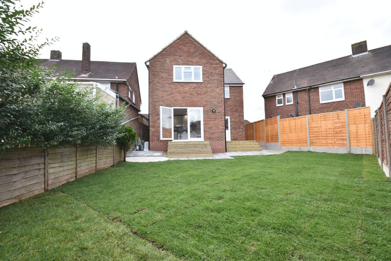 4 bedroom Detached  to buy in Abbey Drive, Luton - Photo 21