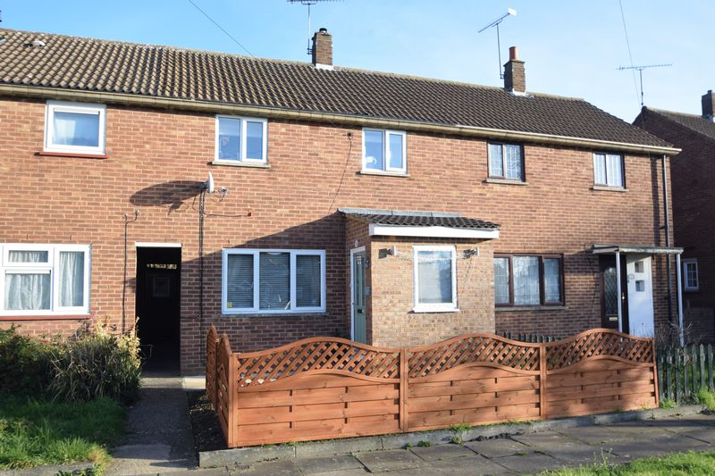 2 bedroom Mid Terrace to buy in Waterslade Green, Luton