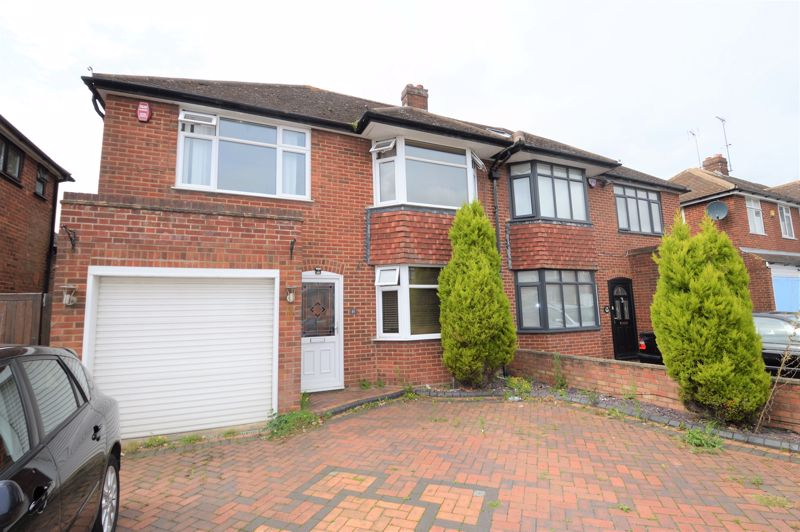 3 bedroom Semi-Detached  to buy in Sherborne Avenue, Luton