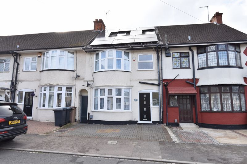 4 bedroom Mid Terrace to buy in St. Mildreds Avenue, Luton