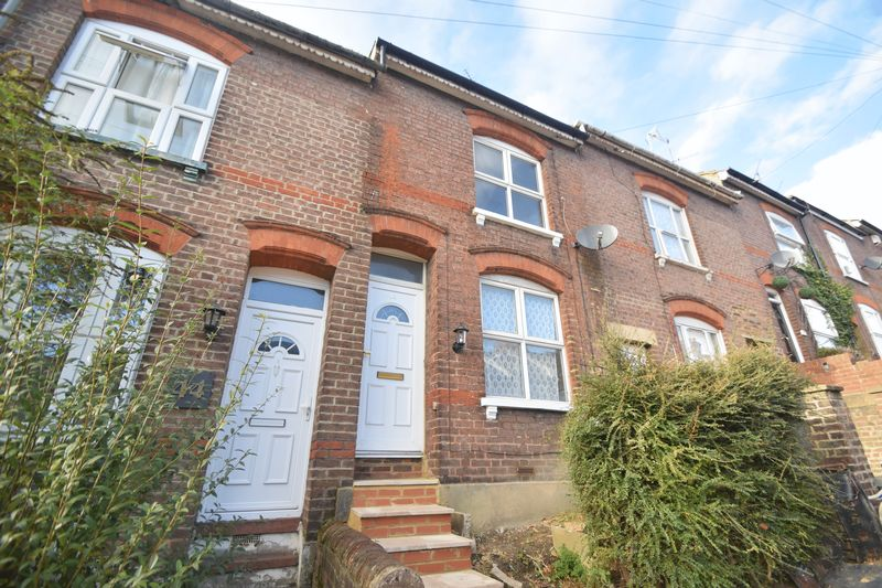 2 bedroom Mid Terrace to rent in Winsdon Road, Luton