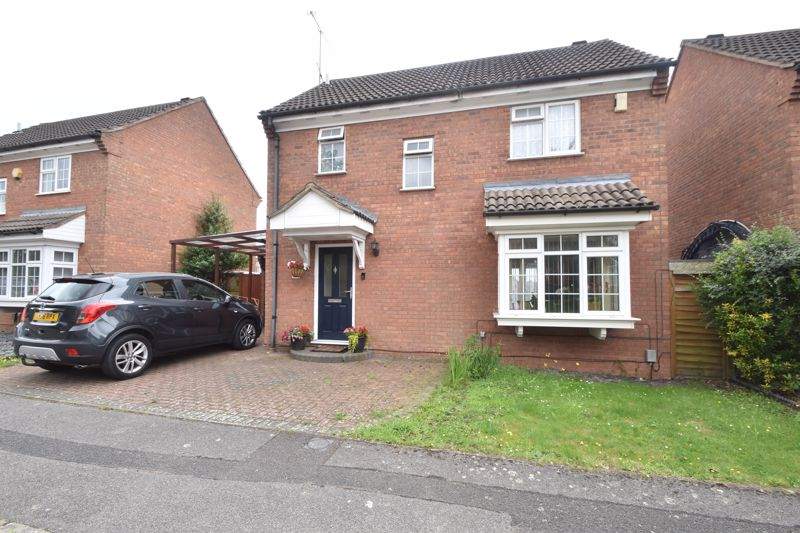 3 bedroom Detached  to buy in Kelling Close, Luton