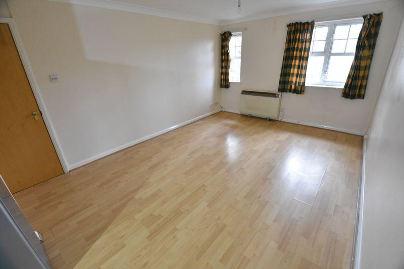 2 bedroom Flat to rent in Earls Meade, Luton - Photo 12