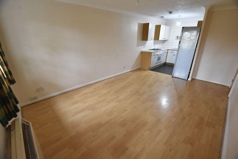 2 bedroom Flat to rent in Earls Meade, Luton - Photo 14