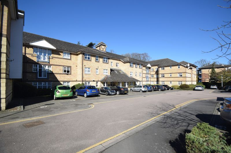 2 bedroom Flat to rent in Earls Meade, Luton