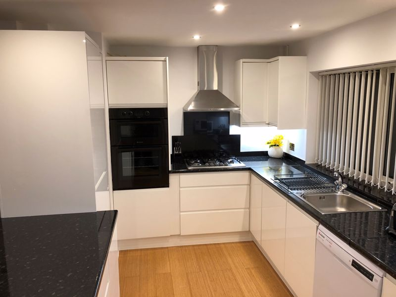 1 bedroom Apartment / Studio to rent in Devon Road, Luton - Photo 3