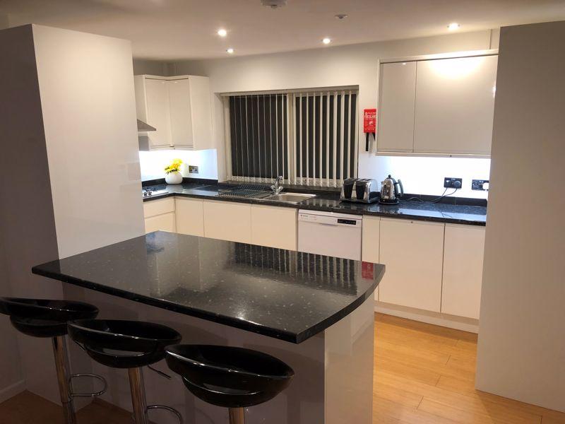 1 bedroom Apartment / Studio to rent in Devon Road, Luton - Photo 2