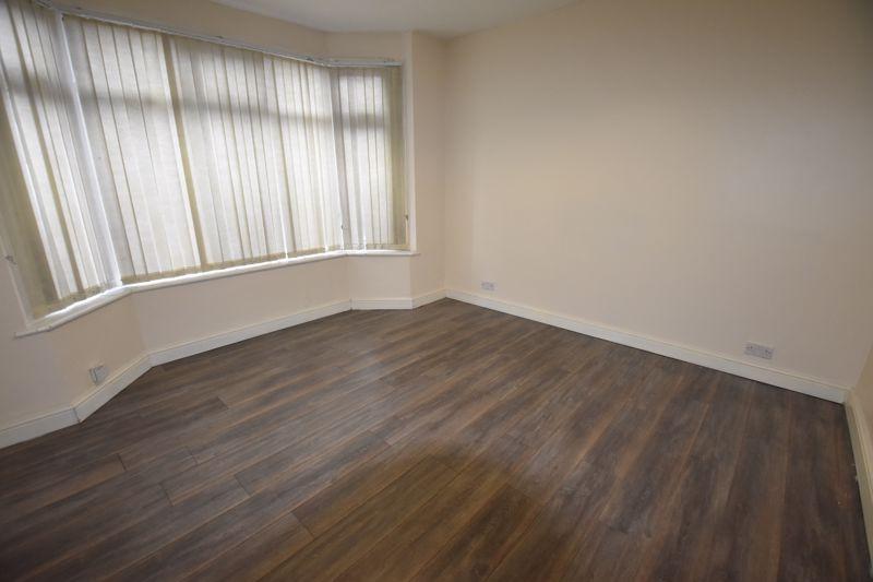7 bedroom  to rent in Biscot Road, Luton - Photo 1
