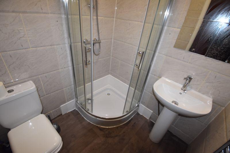 7 bedroom  to rent in Biscot Road, Luton - Photo 8