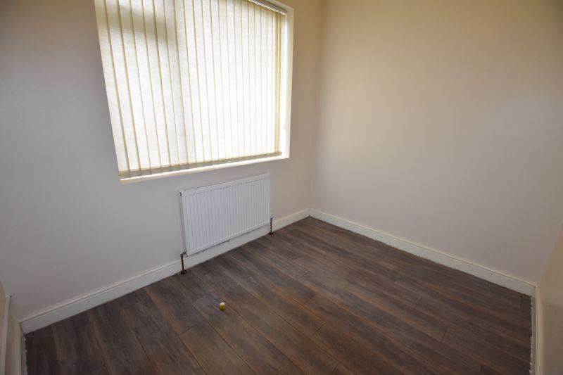 7 bedroom  to rent in Biscot Road, Luton - Photo 12