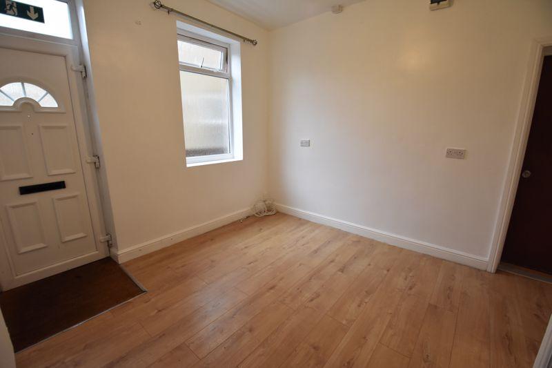 7 bedroom  to rent in Biscot Road, Luton - Photo 13