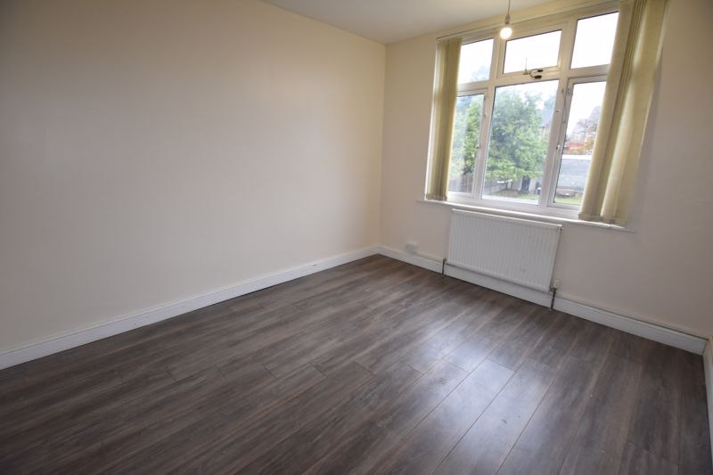 7 bedroom  to rent in Biscot Road, Luton - Photo 17