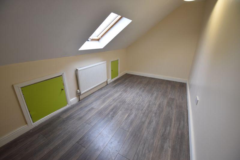 7 bedroom  to rent in Biscot Road, Luton - Photo 24