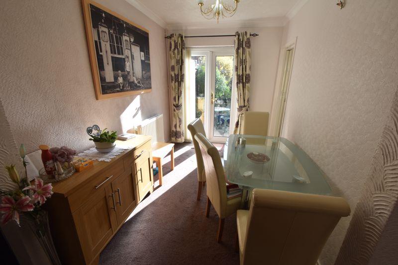 2 bedroom Semi-Detached  to buy in Sunningdale, Luton - Photo 3