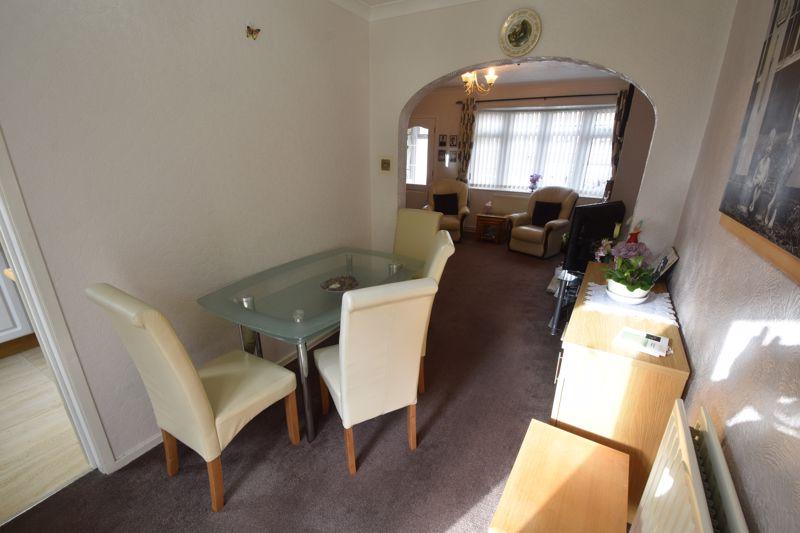 2 bedroom Semi-Detached  to buy in Sunningdale, Luton - Photo 6