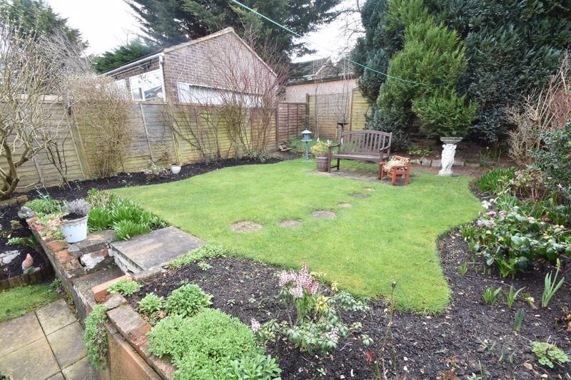 2 bedroom Semi-Detached  to buy in Sunningdale, Luton - Photo 15