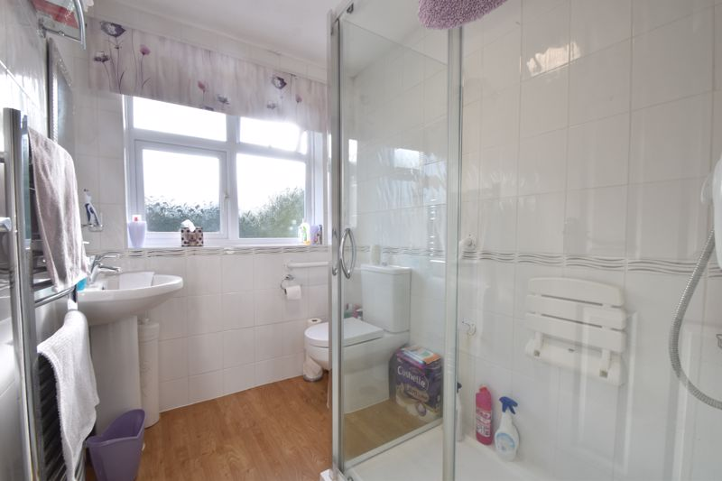 2 bedroom Semi-Detached  to buy in Sunningdale, Luton - Photo 25