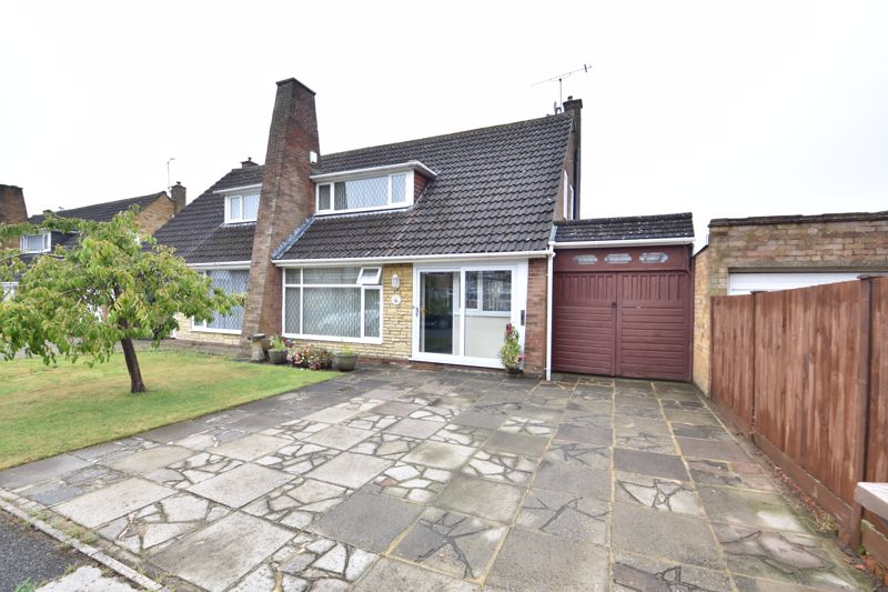 2 bedroom Bungalow to buy in Forrest Crescent, Luton - Photo 20