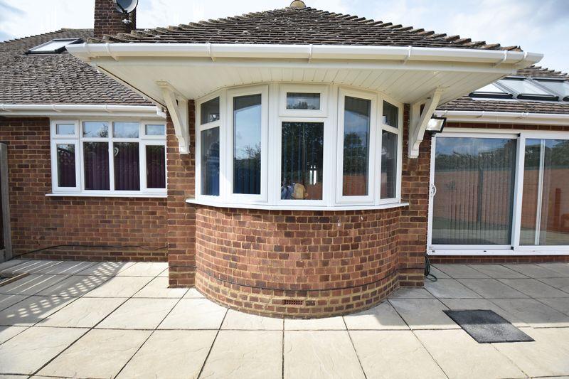 3 bedroom Bungalow to buy in Poplar Avenue, Luton - Photo 9