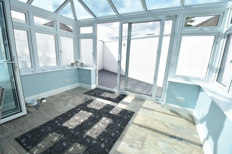3 bedroom Bungalow to buy in Poplar Avenue, Luton - Photo 17